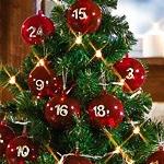 Weihachtsbaum Adventskalender mit befüllbaren Kugeln